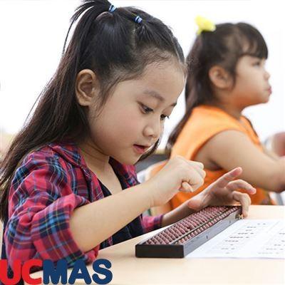 Bí quyết giúp con 5 tuổi hoàn thành 200 phép tính dài chỉ trong 8 phút!