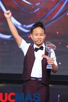 Báo vietbao.vn - Thần đồng tính nhẩm khai căn 63 số trong 11 giây tò mò về giới hạn não bộ